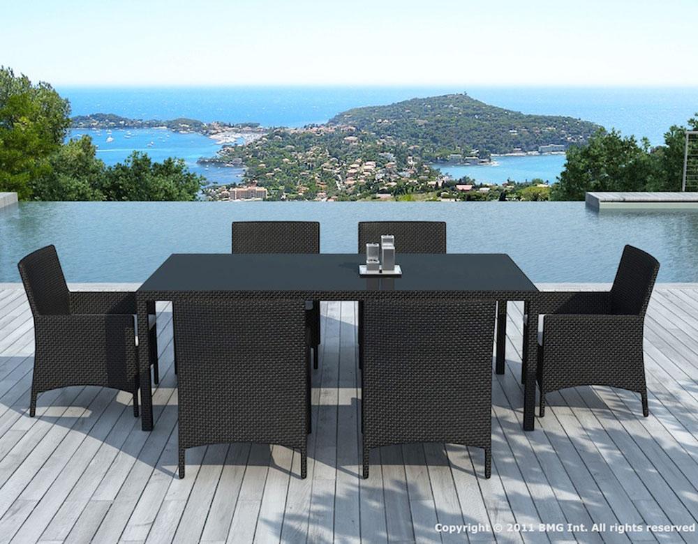 Une table de jardin pour 6 à 8 personnes / Tables, Chaises ...