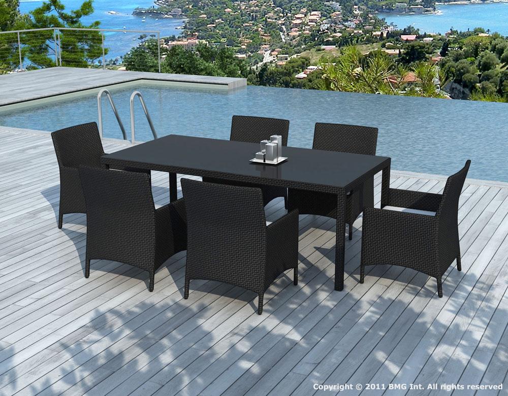 Une table de jardin pour 6 8 personnes tables chaises for Table exterieur 6 personnes